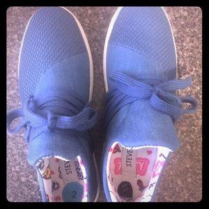 Girls Steve Madden sneakers